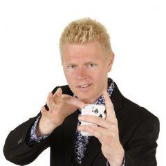 Lasse Frederiksen tryllekunstner